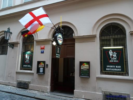 Sports bar restaurant  Lion and ball - Praha
